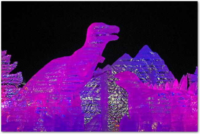 さっぽろ雪まつり恐竜の氷像