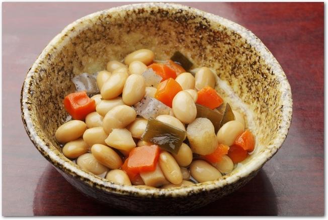 大豆と人参と昆布の煮もの