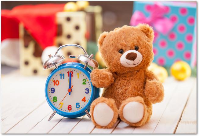 子ども向けのテディベアの置き時計