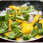 肉野菜炒めが水っぽい?肉がかたい?味付け最高にするコツを紹介!